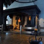 Камин на средневековой кухне