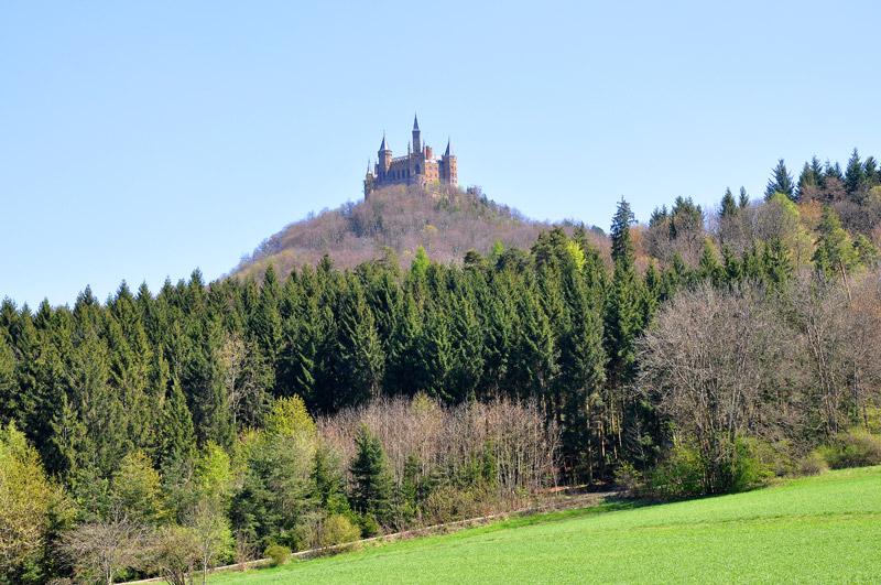 Замок Гогенцоллерн на горе Цоллерн