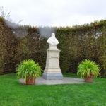 Памятник Леонардо да Винчи другу Франциска I