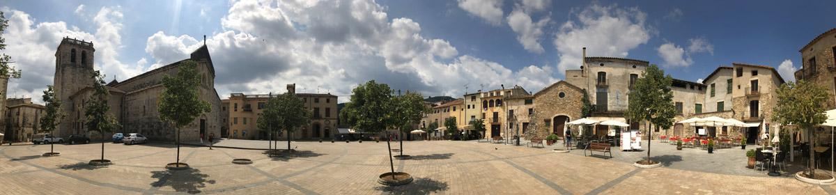 Площадь Святого Петра в Бесалу