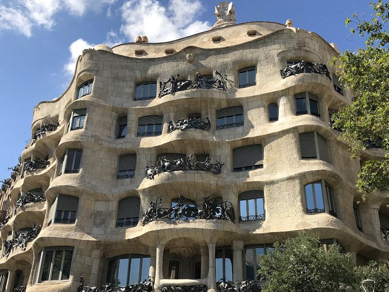 Дом Мила La Pedrera