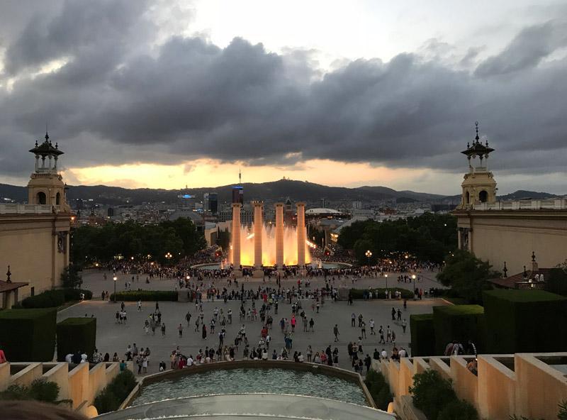 ППоющие фонтаны Барселоны