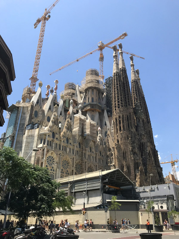 Sagrada Familia постройка