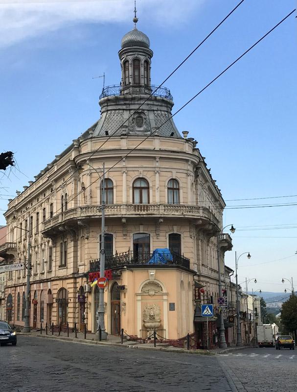 Дом-корабль Черновцы