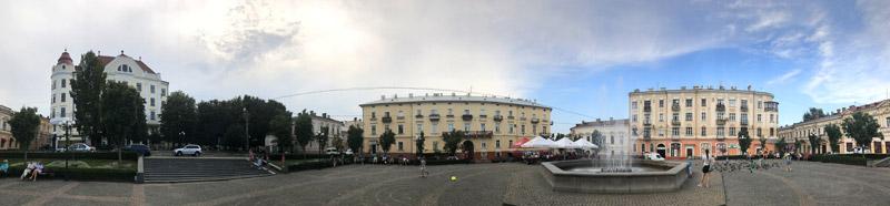Площадь филармонии Черновцы