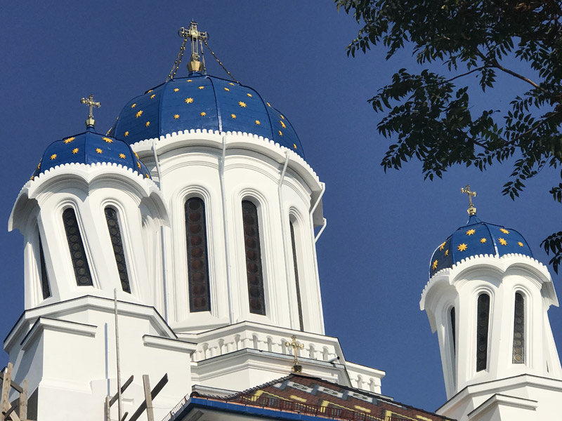 Пьяная церковь в Черновцах